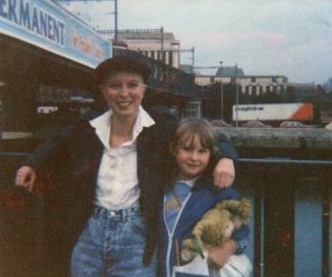 Kim and Ellen at Butt Bridge Dublin 1987