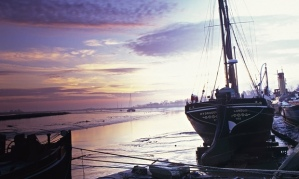 Thames-Barge-on-the-estua-012