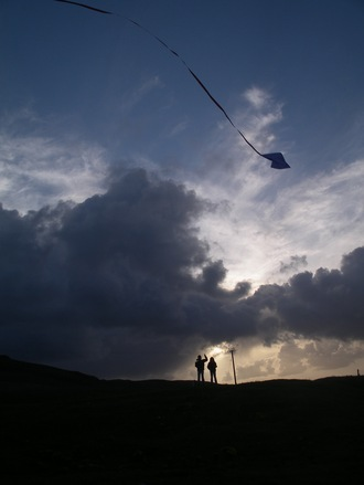 night-kite-1557773