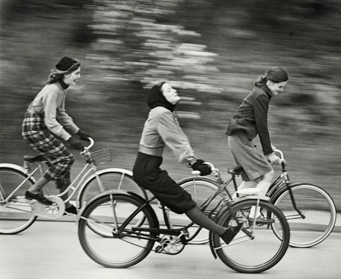 landshoff_bicyclers_august-1946-web