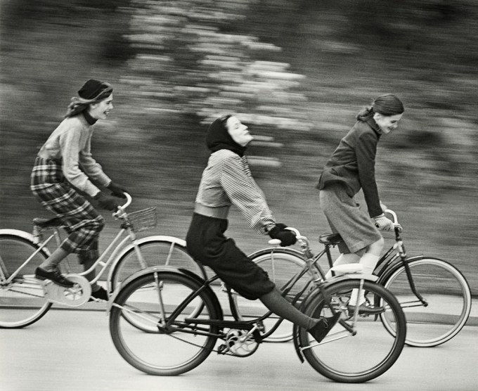 landshoff_bicyclers_august-1946-web