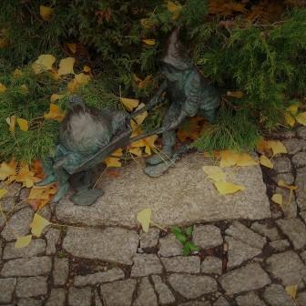 gardening-in-the-autumn-rain